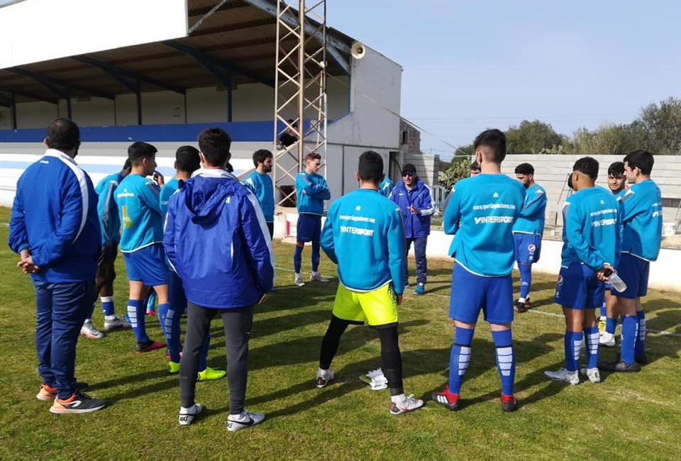 Sporting Mahon coach talks to players
